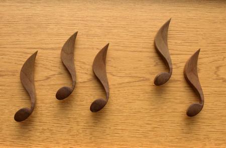 秋はカエデの翼果のアートマグネットー020.jpg