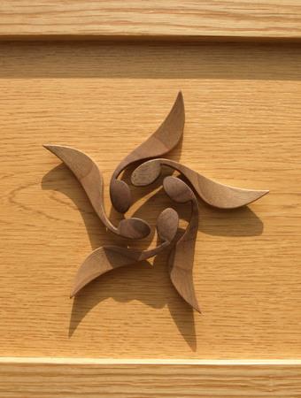 秋はカエデの翼果のアートマグネットー023.jpg