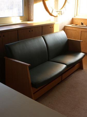 001、ブラックチェリーのソファ.jpg