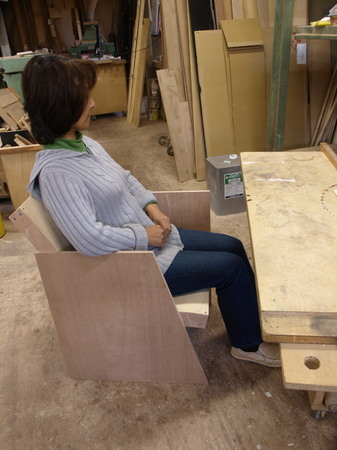 006、ソファの試作ー座り心地を試す.jpg