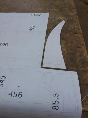 012、原寸の一部を切る.jpg