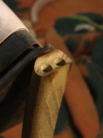 022、ダイニングチェアーの足の加工.jpg