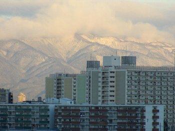 14年初雪.JPG