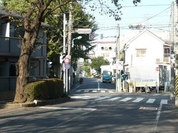 ③板橋高校先やや左へ.JPG