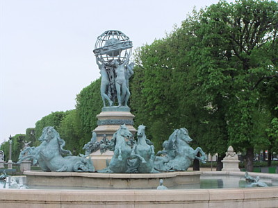 statue entrance.JPG