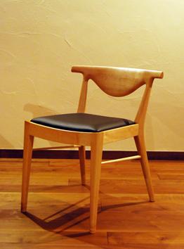 メープルの椅子.jpg