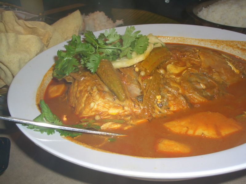 800px-Fisheadcurry.jpg