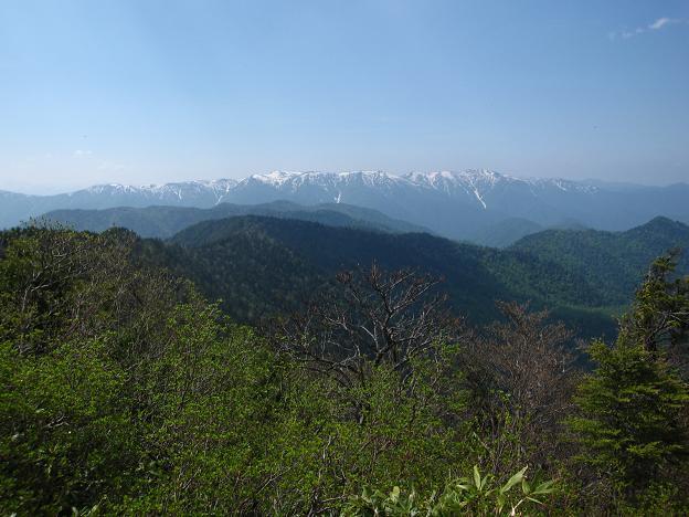 帝釈山から会津駒.JPG