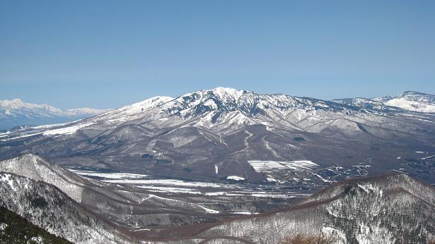 篭の塔山から四阿山.JPG
