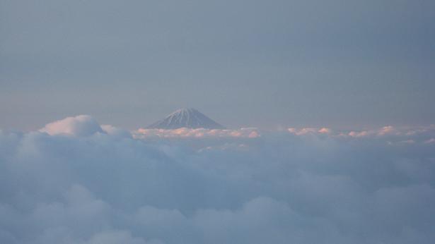 雲上の富士山.JPG