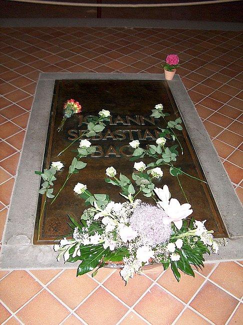Grave_of_Johann_Sebastian_Bach.jpg