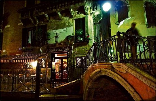 Venice3Small.jpg