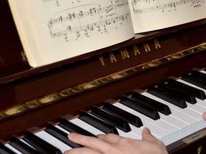 ピアノの練習.jpg
