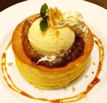 キャラメルりんごのスフレパンケーキ.PNG