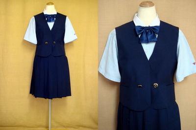 熊本市立必由館高等学校制服画像