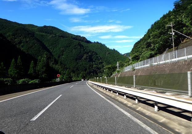 3 6kmのトンネルを越えると晴れてた.JPG
