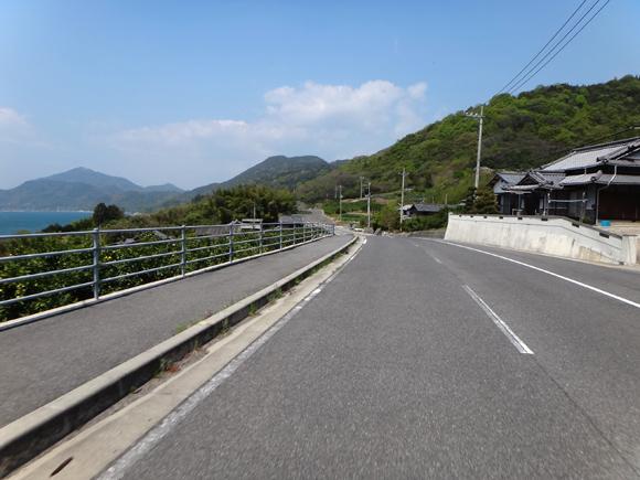 22 大三島の外周路は快適です.JPG