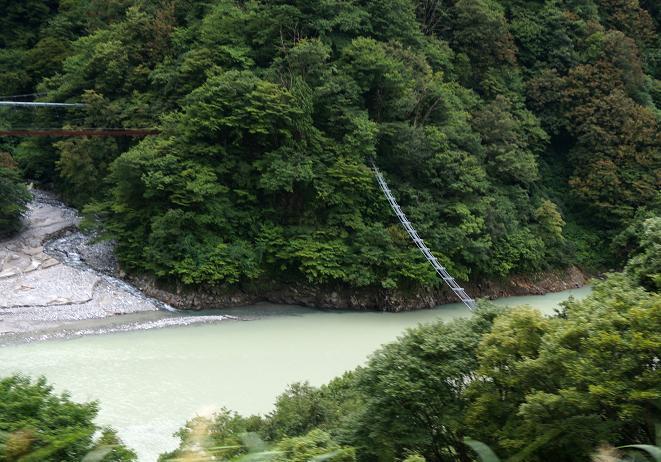 31 猿専用の橋です.JPG