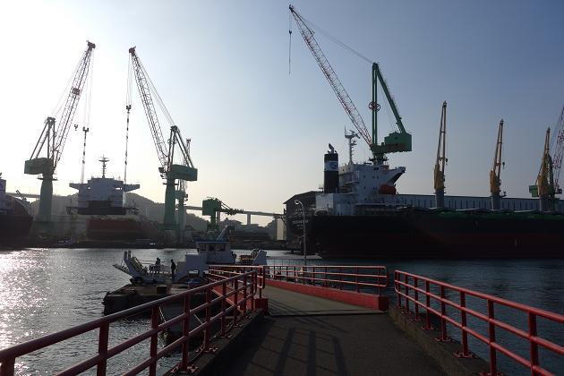 6 造船所だらけ.JPG