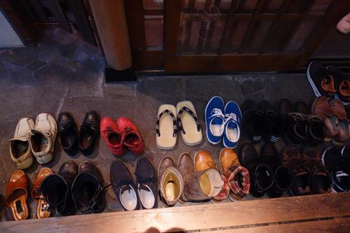 間違い探しみたいな靴があります.JPG