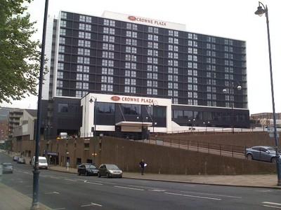 090717イギリス出張(CROWNPLAZAホテル全景).jpg
