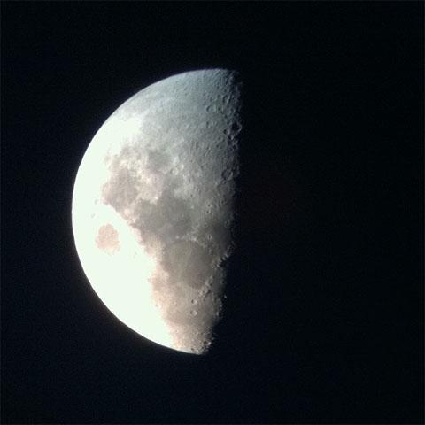 moon_by_iphone.jpg