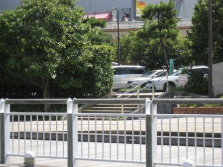 駐車場を抜けデックス、アクアシティ方面へ(写真)