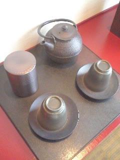 090830_1508~03_お茶セット.jpg