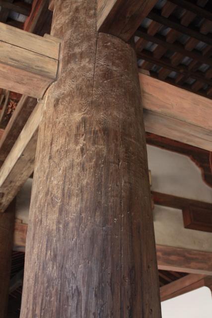 法隆寺柱.jpg