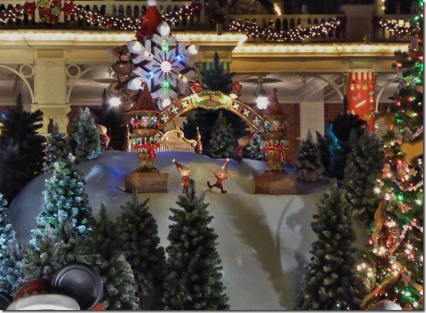 20141107_TDLのクリスマス飾り_004