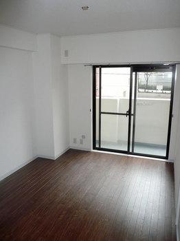 529J31坪田ビル(洋室2.jpg