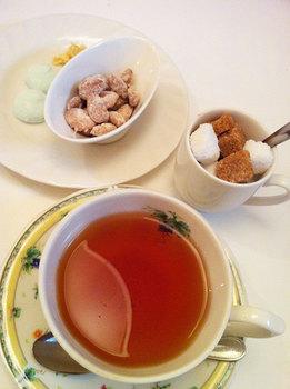 紅茶のお菓子.jpg