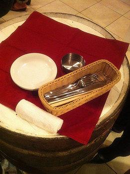 ワイン樽テーブル.jpg