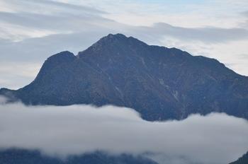 甲斐駒と雲-1.jpg