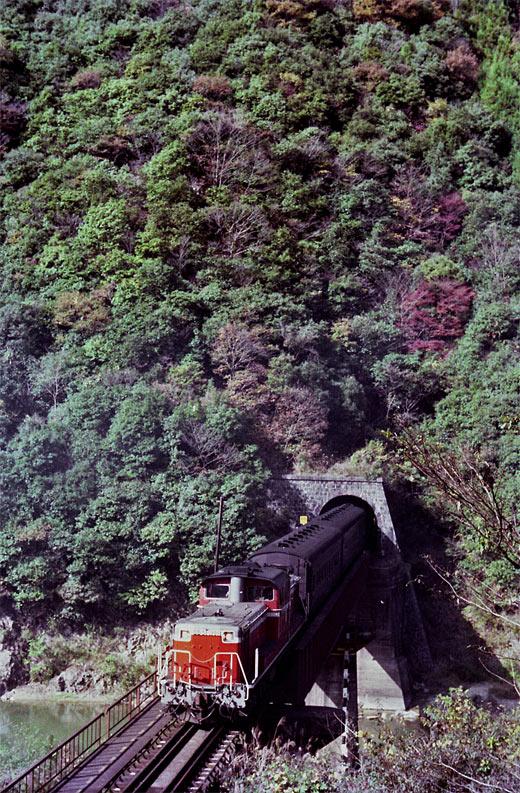 19821103福知山線・武田尾004-00-1.jpg