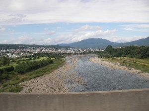 少し上の方の利根川