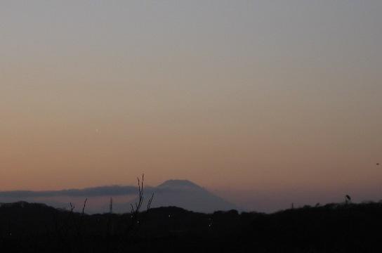 夕闇の富士山a.JPG