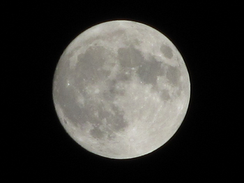 2010505_supermoon_iso100_1div125.jpg