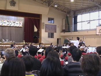 康介2011 親子ファミリーコンサート  三中ギター・マンドリン部.JPG