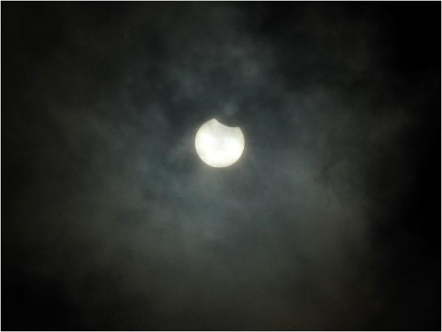日食開始.JPG