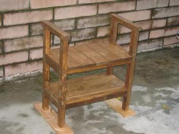 ひじ掛け椅子.JPG
