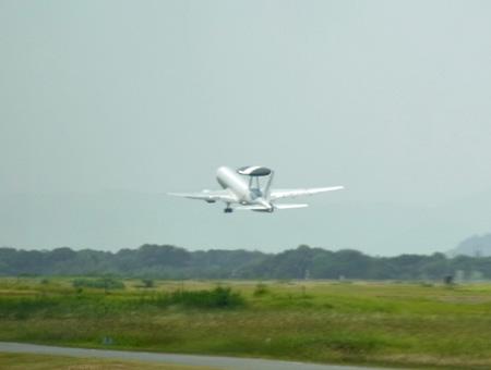 E-767もタッチアンドゴー.jpg