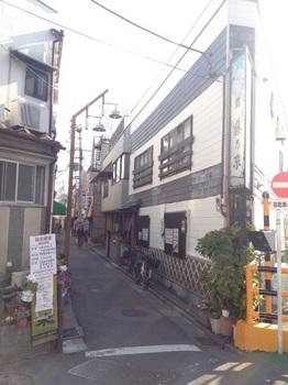 鐘ヶ淵駅前路地.JPG