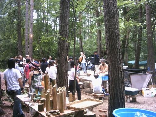 天てれハウス 奏での森くらふと ハセヤンが写っています